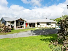 Glenbervie Cottages and Bed & Breakfast