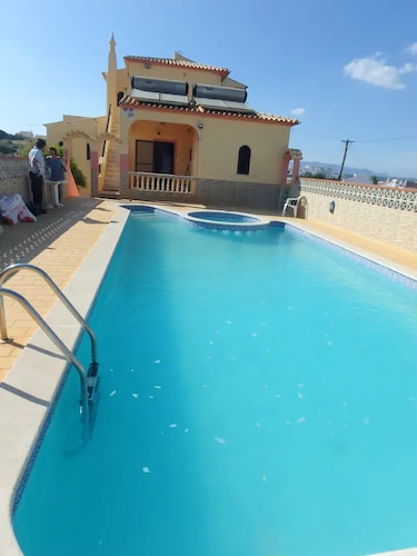 Apartment With 2 Bedrooms in Parchal, With Pool Access, Balcony and Wifi - 1 km From the Beach