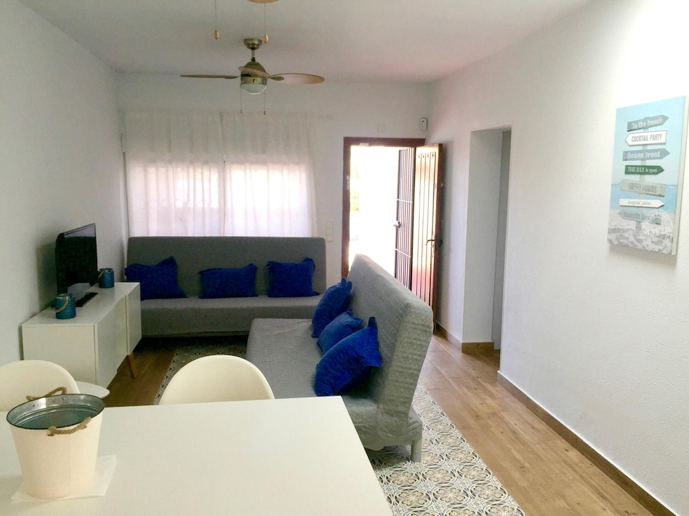 Room, House With 2 Bedrooms in Chiclana de la Frontera, With Enclosed Garden and Wifi - 200 m From the Beach