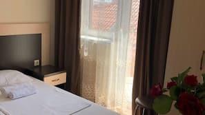 1 dormitorio, minibar, escritorio
