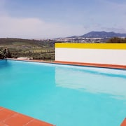 Villa With 4 Bedrooms in Algueirão Mem Martins, With Wonderful Mountain View, Pool Access, Enclosed Garden - 10 km From the Beach