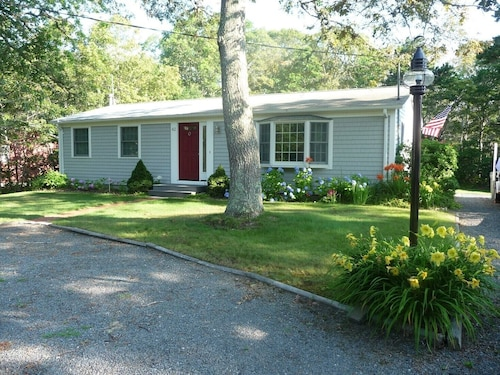 2 Bedroom Ranch House, Perto de Red River Beach e Cape Cod Rail Trail