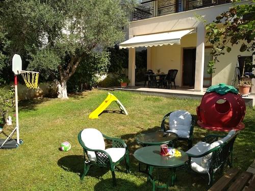 Visit Saint Luke Hospital S A  in Pylaia-Chortiatis | Expedia