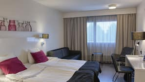 In-room safe, blackout drapes, free WiFi, wheelchair access