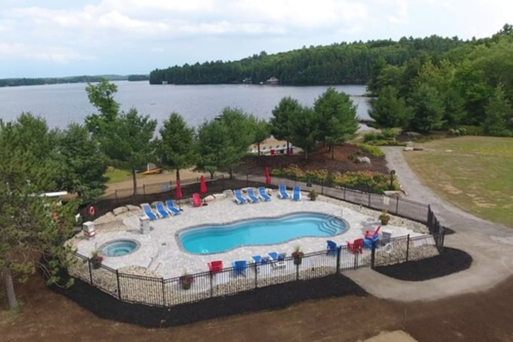Outdoor Pool, Touchstone Resort