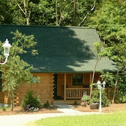 Cricket Hill Lodge & Cabins