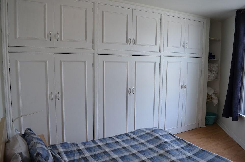 Fabulous Large Modern 1 Bedroom Apartment In Toronto In Toronto Interior Design Ideas Jittwwsoteloinfo