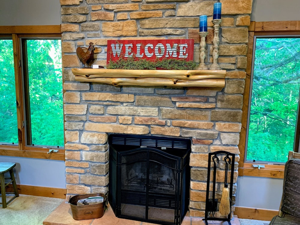 Amazing Tranquil Home Away From Home Free Night In Galena Il Home Interior And Landscaping Dextoversignezvosmurscom