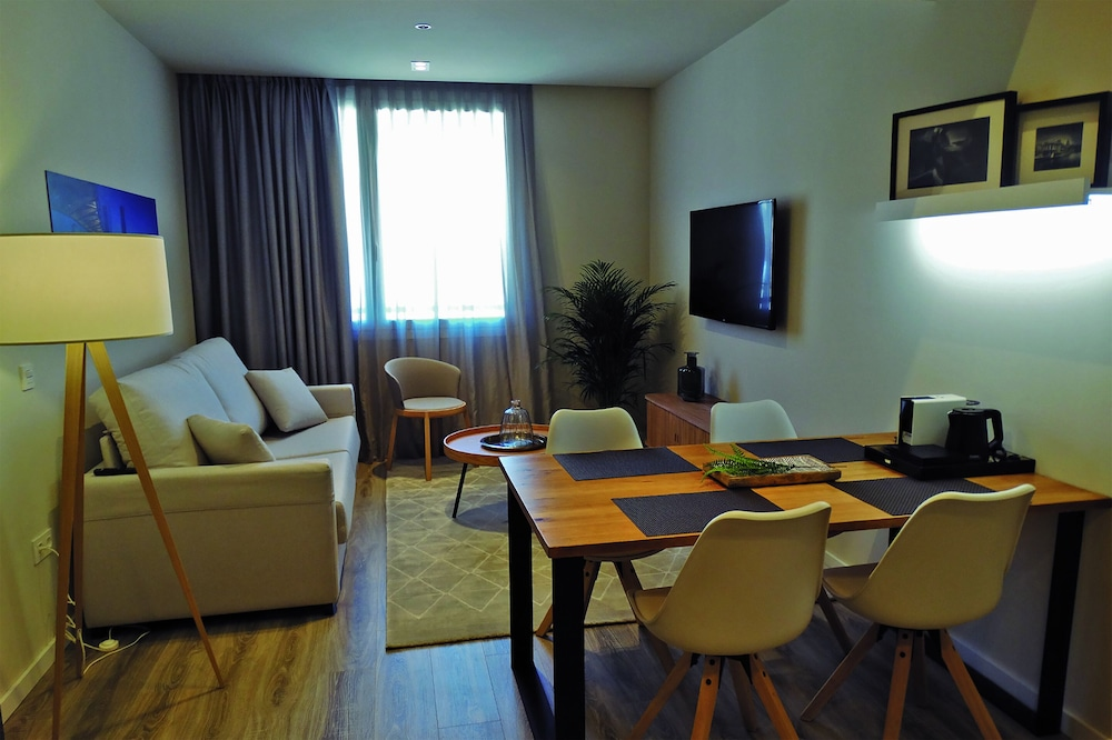 Room, Bilbao City Center by abba Suites