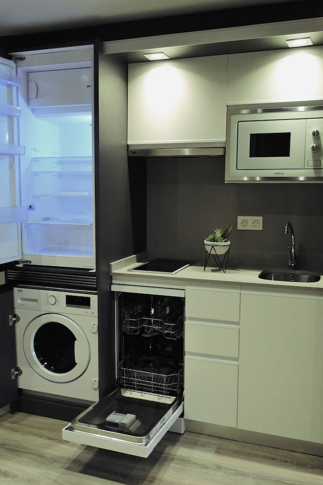 Private Kitchen, Bilbao City Center by abba Suites