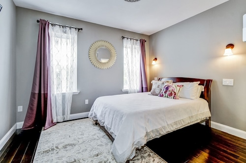 Sunlit Spacious Unit Near Upenn, Hup, Chop and Drexel