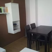 Apartment - 3 Bedrooms With Wifi - 102597