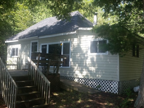 Squeezemore Inn Cottage Rental - Dalhousie Lake, Ontario