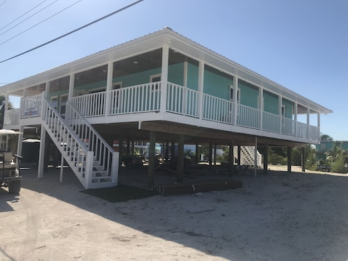 NEW Rental!!! Conch Heaven is a Four Bedroom House on a Canal With a Dock