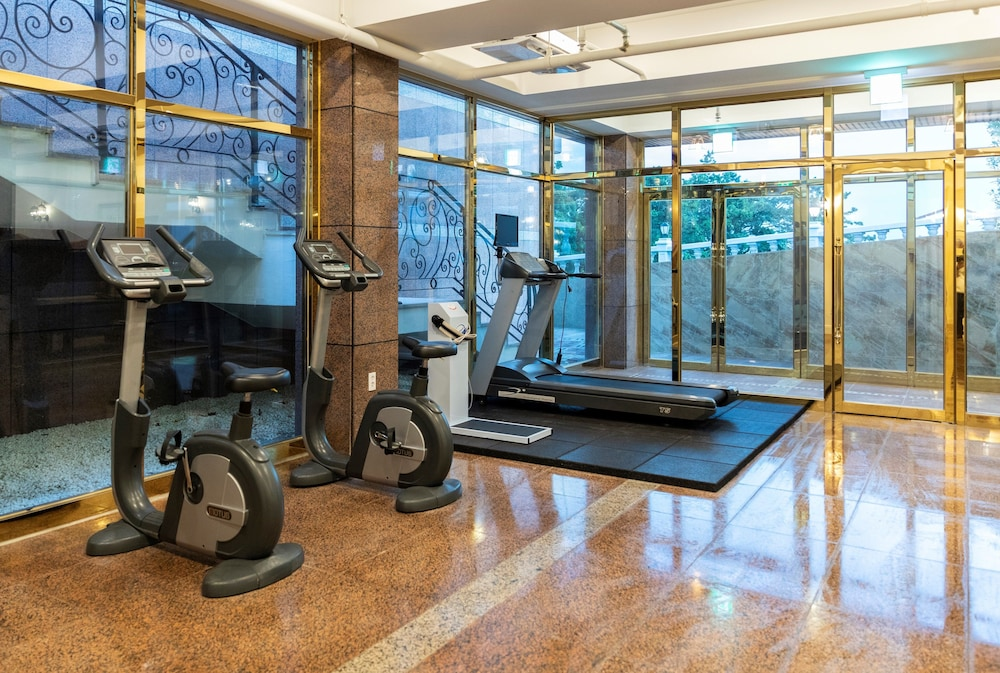Fitness Facility, GoldOne Hotel & Suites