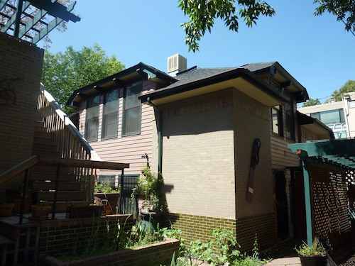 Architecturally Amazing Carriage House -- Walking Distance to Downtown