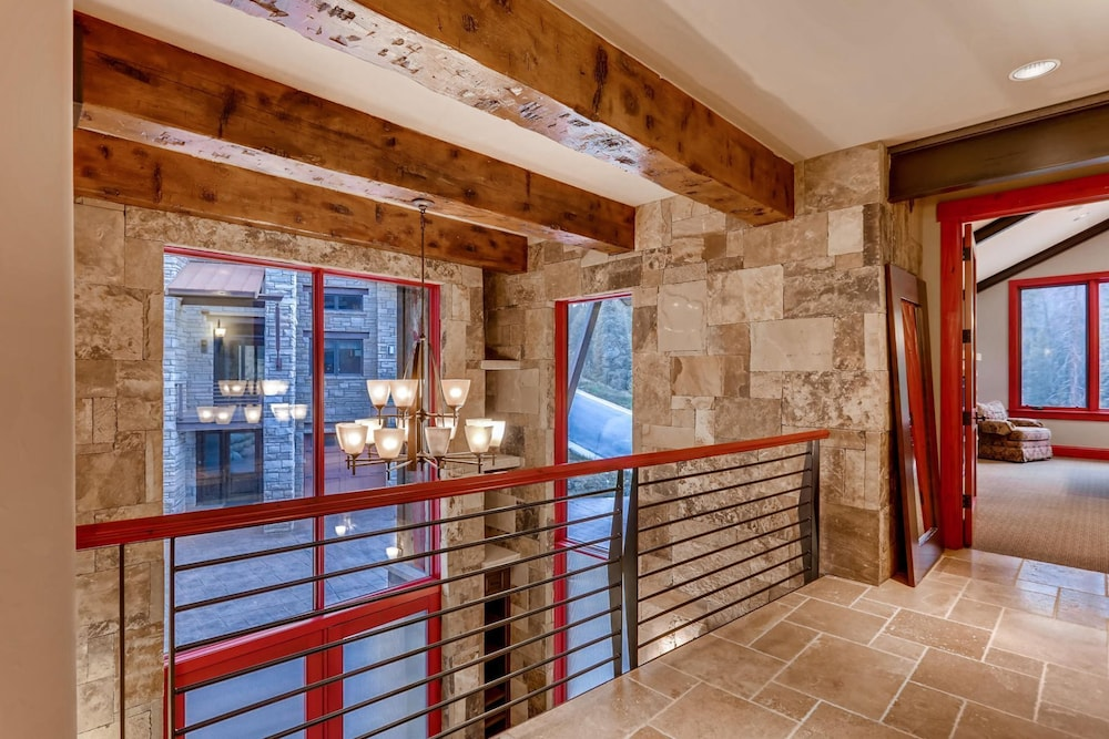 Interior, Snow Maker Manor: Pet-friendly, True Ski-in/out, Hot Tub, Theater, Pool Table