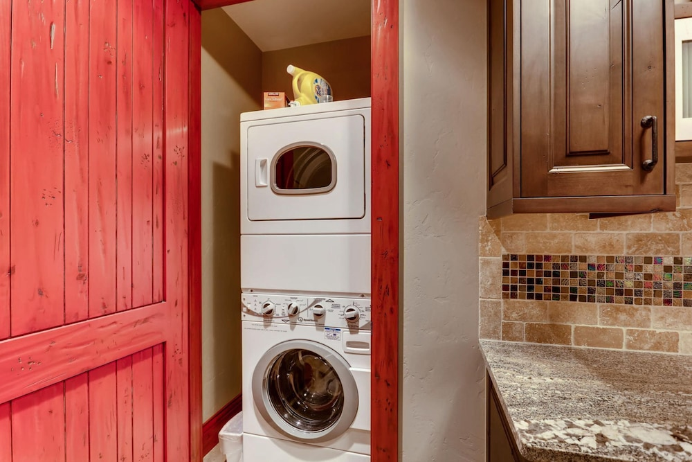 Laundry, Snow Maker Manor: Pet-friendly, True Ski-in/out, Hot Tub, Theater, Pool Table