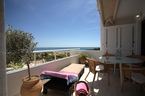 Llano del Castillo Apartment, Sleeps 4 With Pool, Air Con and Wifi