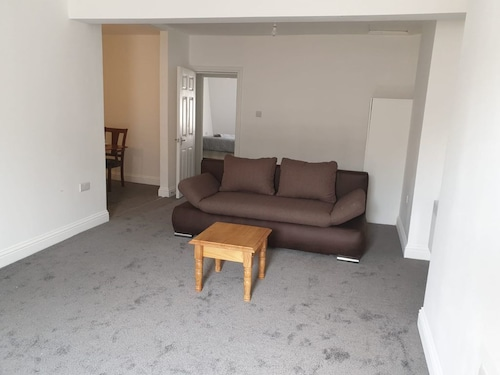 Newly Refurbished two bed Flat