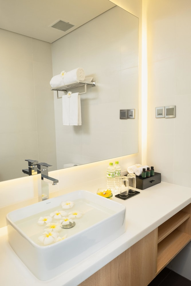 Bathroom Sink, Carinae Hotel Cocobay Danang