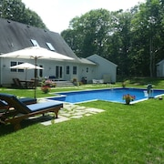 House & Pool 5 Minutes From Beach