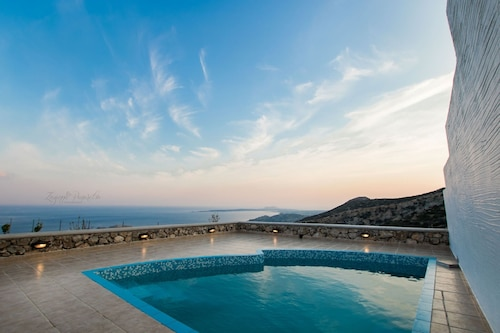 Anemolia Villa - One Bedroom Villa, Sleeps 3
