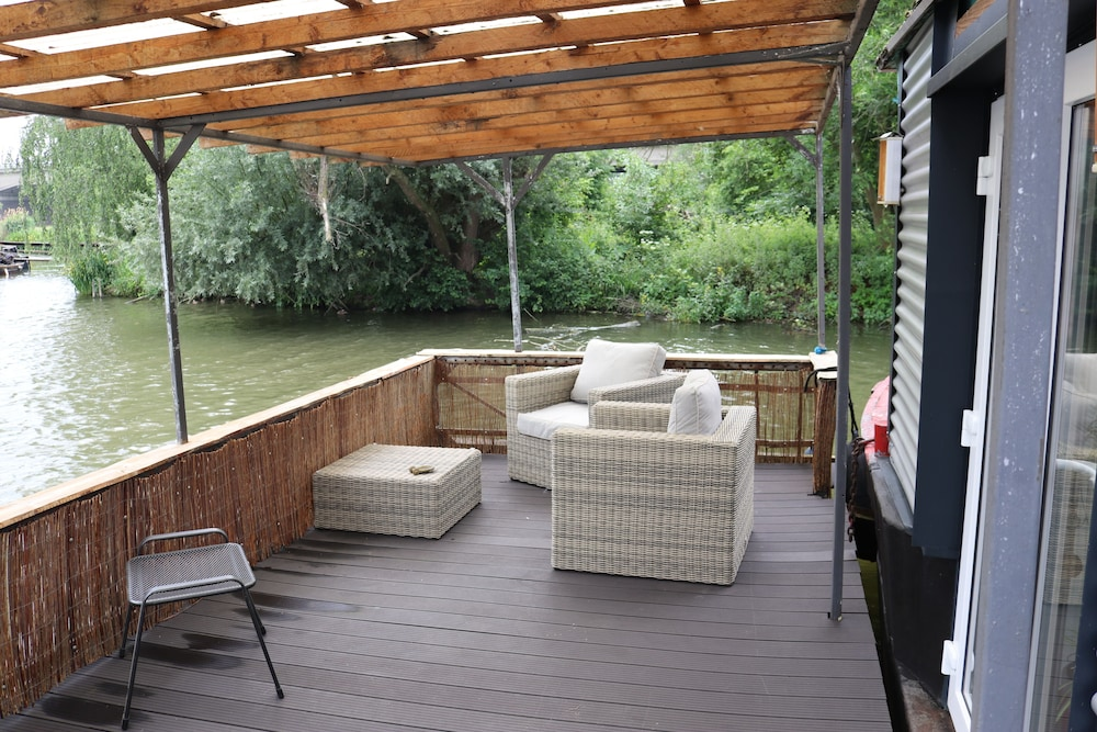 Balcony, Houseboat in the Middle Between Areax and Outlet Nevertheless Pure Nature