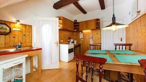 Kühlschrank, Kochgeschirr/Geschirr/Besteck