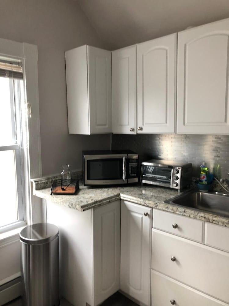 Private Kitchen, Convenient and Cozy 2 Bedroom Near Assembly Row-3rd Floor