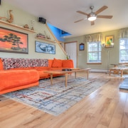 Stylish Pacific City Three-bedroom is an Easy Walk to the Beach & Pub!