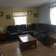 New- Downtown Condo-canalside/riverworks/bills/sabres