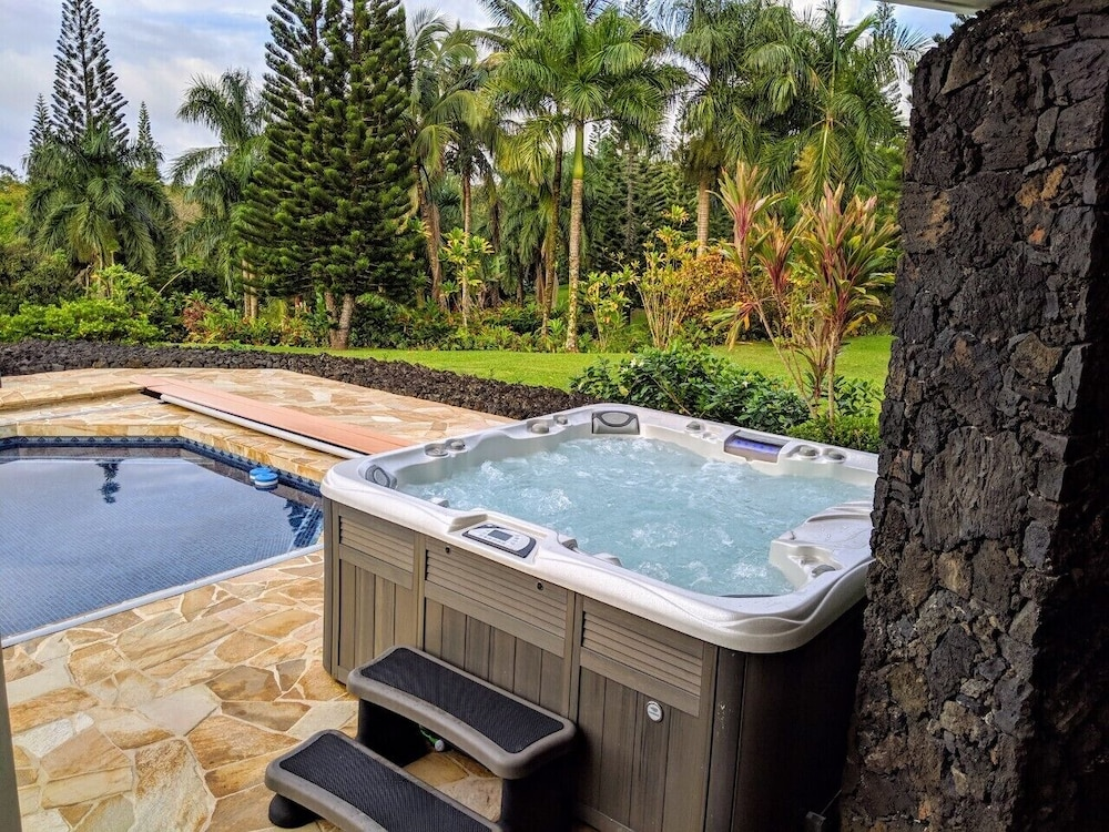 Spa, Hawaii Life Rentals Presents Spacious Luxury and Privacy on 7 Acres!