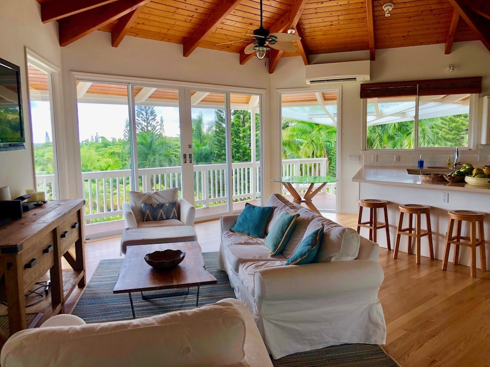 Living Room, Hawaii Life Rentals Presents Spacious Luxury and Privacy on 7 Acres!