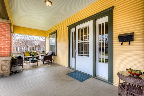 Renovated Magnolia Fairmount Historic Home