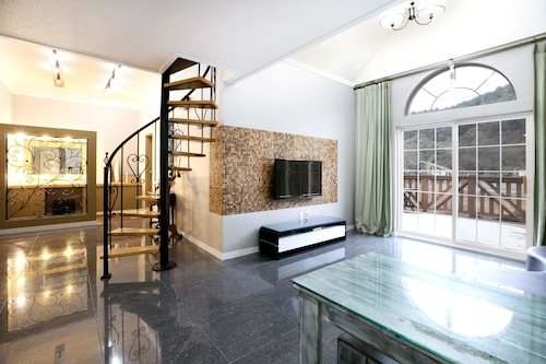 Myeongseongsan Mountain Accommodation: AU$100 Hotels Near