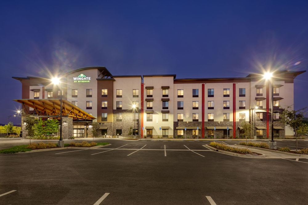 Front of Property - Evening/Night, Wingate by Wyndham San Jose