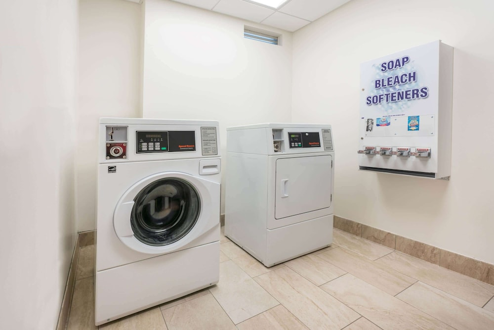 Laundry Room, Wingate by Wyndham San Jose