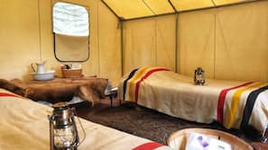 1 bedroom, linens