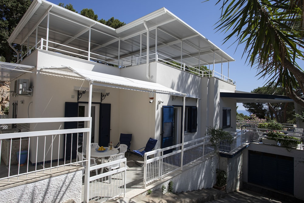 Villa Aurora Mondello Addaura - Apartment Punta Priola in ...
