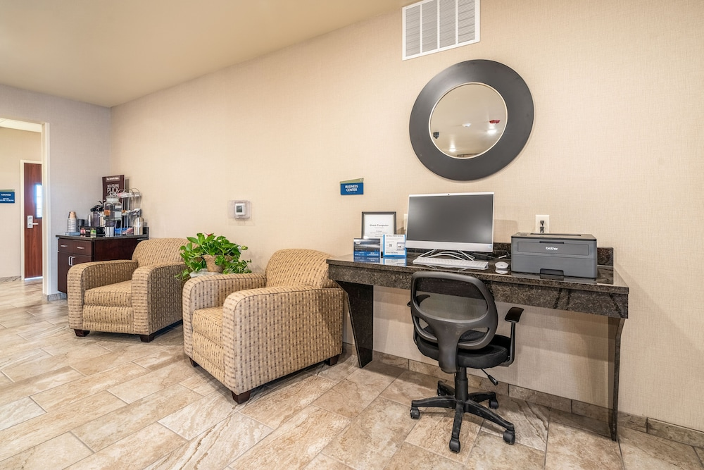 Business Center, Cobblestone Inn & Suites - Kermit
