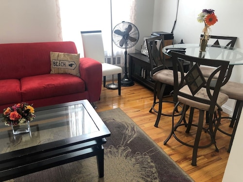 Awesome Apartment Centrally Located In The Heart Harlem. 2 Bed 2 Bath
