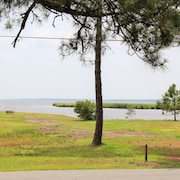 Exceptional Pungo River Waterview. Walk or Bike Ride to Town