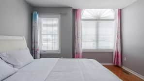 4 bedrooms, in-room safe, iron/ironing board, WiFi