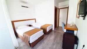 1 bedroom, hypo-allergenic bedding, desk, blackout drapes