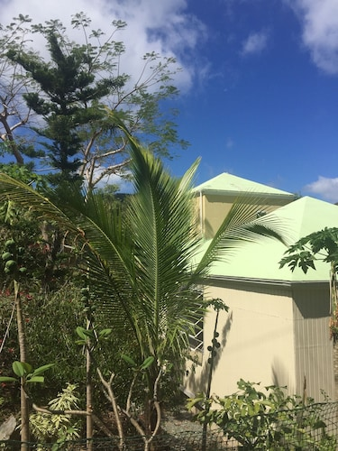 Brand new to the Rental Market..... Near Coral Bay