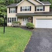 Spacious Saratoga House in Upstate NY! Minutes to the Adirondacks and Racetrack