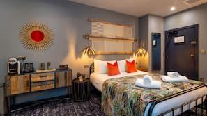 Premium bedding, down comforters, desk, laptop workspace