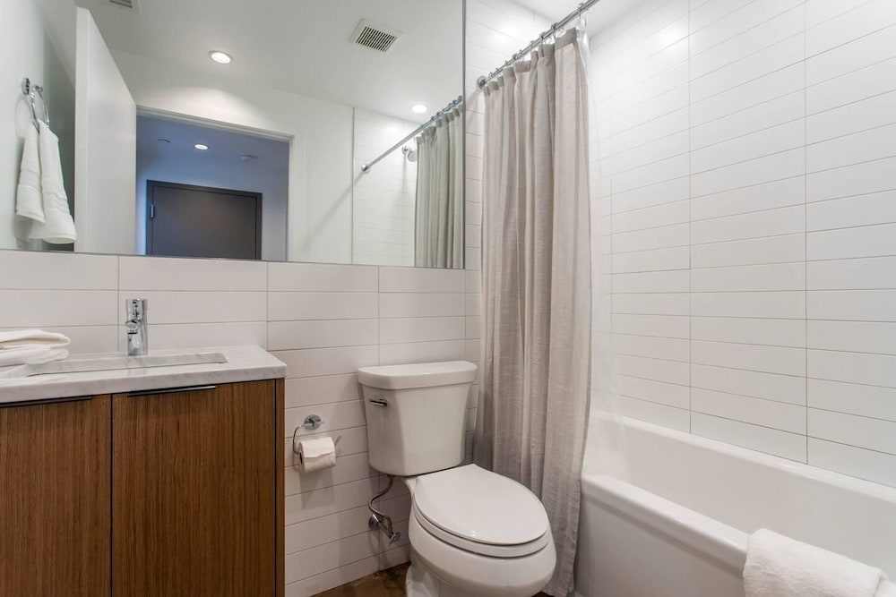 Bathroom, Steps From Jefferson - New Boutique Building - Center City