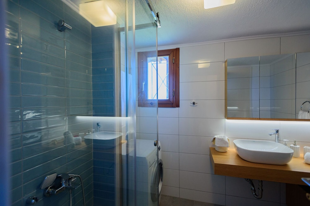 Bathroom, Finisia House Two - Elaia Lakonias
